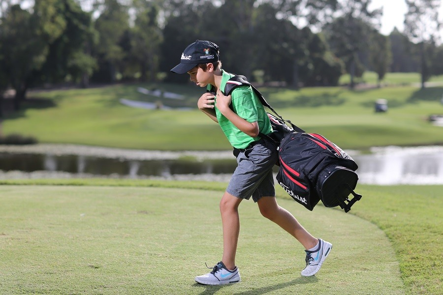 Your Guide To Purchasing The Best Golf Bag For Junior Golfers